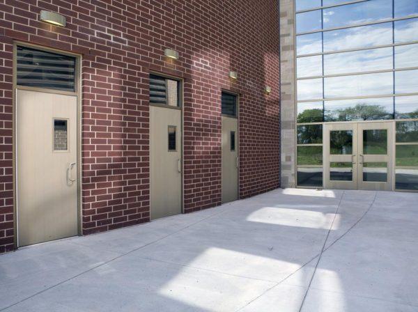 aluminum-plank-doors-installation